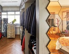 House Tour: A quirky Modernique 5-room flat for a bachelor and his cats Indian Doors, Bedroom Cupboard Designs, American Interior, Large Shower, Walk In Wardrobe, Stylish Bedroom, Open Concept Kitchen, Loft Style, House Tours