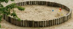 sand circle~ I would think this would look nice for our little toddler yard.