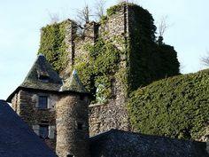 Les ruines du château de Ségur-le-Château