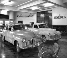 Hillsdons Service Centre, Parramatta shows Holden cars and sign, c Max Dupain photo. Holden Monaro, Holden Australia, Australian Photography, Aussie Muscle Cars, Australian Cars, Vintage Tractors, Triumph Motorcycles, Car Pictures, Photos
