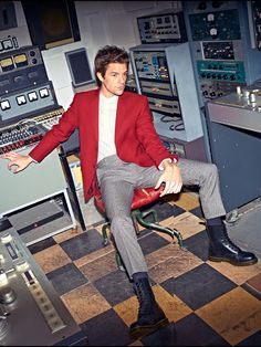 The Killers' Brandon Flowers wears Pantherella in Men's Health Magazine March 2015 Brandon Flowers, Mr Brightside, Flowers For Men, The Killers, Innocence Lost, Workout Routine For Men, Workout Men, Music Lovers, Beautiful Boys