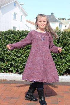 Skyes ønskekjole i Mandarin Grande – Tid Til Overs Barn, Dresses With Sleeves, Long Sleeve, Sweaters, Fashion, Moda, Converted Barn, Sleeve Dresses, Long Dress Patterns