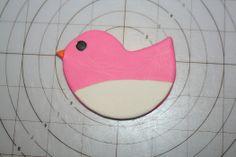 How to make a standing bird cake topper • CakeJournal.com