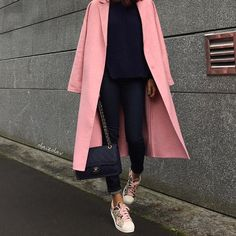 Zara pink coat, Chanel bag and Adidas sneakers for fall street style. #streetstyle #streetfashion #zara #zaracoat #pink #pinkcoat #chanel #sneakers #adidas #fabfashionfix