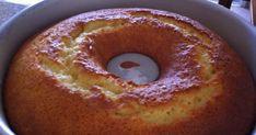 Realmente esse é o melhor e mais fofinho BOLO DE LARANJA que eu já fiz. A receita veio do delicioso blog da queridaAndreaque faz tantas delícias que é até difícil escolher o que fazer!!!! A receita é muito simples e rendeu um bolo lindo e bem fofo. A receita original,aqui, incluía... #bolo