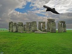 Discover the world through photos. Stonehenge, Salisbury Wiltshire, Country Uk, Tip Of The Day, Countryside, Mount Rushmore, Coastal, Places To Visit