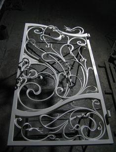 Foto Metal Gates, Wrought Iron Doors, Gates And Railings, Welding Design, Door Gate Design, Cool Doors, Iron Art, Iron Decor, Steel Doors