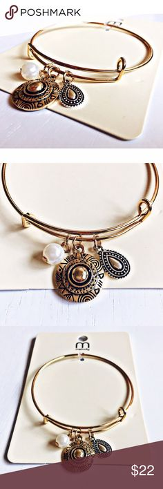 Paisley Boho Bracelet ❗️Brand New With Tags❗️Never Worn! Absolutely enchanting. This immaculate bracelet is so intricately designed & features gorgeous stunning accents! Delicate detailing, enchanting charms & golden hardware make up this beauty. Add the perfect finishing touch to your wardrobe by wearing this Paisley Boho Bracelet. Truly an eye-catching stunner and one of a kind addition to add to your jewelry collection:)❗️Depending on lighting, the color can look lighter or darker:)❗️…