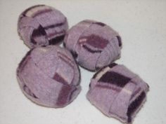 DIY Wool Dryer Balls from upcycled wool sweaters or blankets. Maybe I will look for some wool sweaters next time I am in the Goodwill. Upcycled Crafts, Sewing Crafts, Sewing Projects, Recycled Sweaters, Wool Sweaters, Old Sweater Crafts, Wool Dryer Balls, Diy Arts And Crafts, Diy Projects To Try