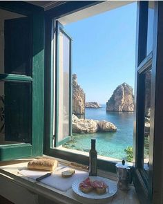 The Places Youll Go, Places To Visit, Destination Voyage, Window View, Travel Aesthetic, Aesthetic Green, Nature Aesthetic, Aesthetic Fashion, Dream Vacations
