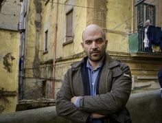 Il ritorno di Roberto Saviano a Napoli