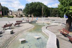 malá fontána rieka života na pešej zone