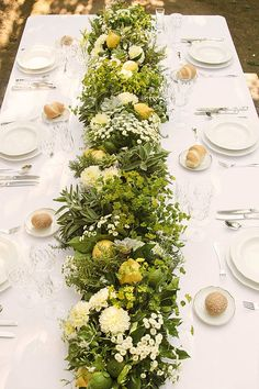 In Love In Italy: The Lemon Grove - http://www.theperfectpalette.com - Color Ideas for Weddings + Parties - floral design by Laboratorio Floreale Aiello