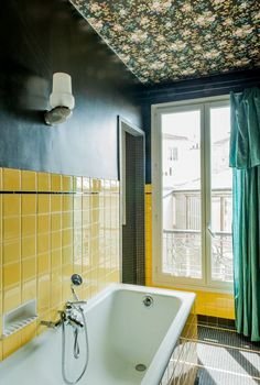 Heres Everything You Need To Know About These Emerging Bathroom Decor Trends
