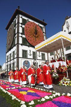 Senhor Santo Cristo dos Milagres religious festival Ponta Delgada, Sao Miguel Island, Azores ... News Photo 175244361