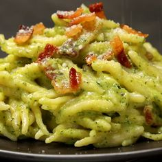 "This is ""Trofie alla creama di zucchine e guanciale croccante"" by Al.ta Cucina on Vimeo, the home for high quality videos and the people who love them. Dinner Recipes Easy Quick, Healthy Dinner Recipes, Vegetarian Recipes, Healthy Cooking, Cooking Recipes, Eating Healthy, Clean Eating, Zucchini, Weird Food"