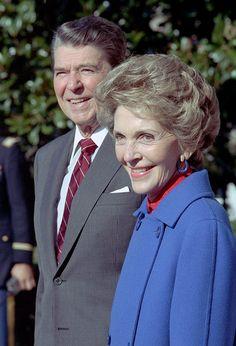 President Ronald Reagan and Nancy Presidents Wives, Greatest Presidents, American Presidents, American History, 40th President, President Ronald Reagan, First Lady Of Usa, Reagan Library, Nancy Reagan