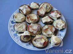 Na lehkou večeři nebo jen tak na chuť! Baked Potato, Sprouts, Potatoes, Baking, Vegetables, Ethnic Recipes, Food, Potato, Bakken