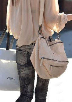 So softly feminine....... Great  outfit!