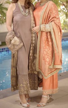 Love the colors Mehendi Outfits, Pakistani Wedding Outfits, Pakistani Dresses, Indian Dresses, Indian Attire, Indian Ethnic Wear, Ethnic Outfits, Indian Outfits, Stylish Dresses