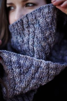 Shandon Thick Cowl Free Knitting Pattern