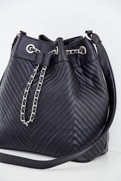 Siyah Dikiş Detaylı Askılı Çanta Online Alışveriş   OXXO