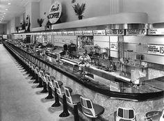 Newberry lunch counter, Tampa, Florida, 1941 via climbing-down-bokor Drive In, Vintage Diner, Vintage Food, 1950s Diner, Vintage Ads, Vintage Stores, Vintage Items, Vintage Stuff, Retro Diner