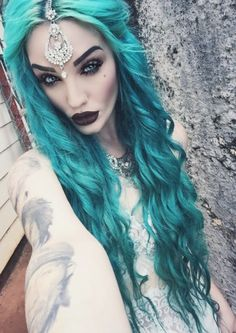 i fallow this girl on IG. She's literally perfect...love her hair, makeup, and face jewelry