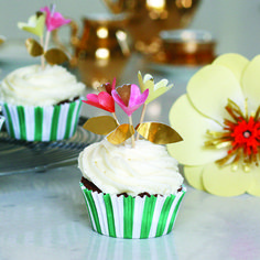 Cupcake Kit ~ Fancy Flowers by Meri Meri will brighten up any celebration. Featuring green and white striped cupcake cases and neon coloured flower toppers.