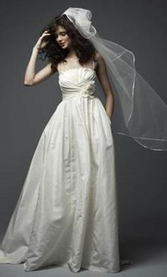$200 Sample Watters Wedding Dress 14866 Holly, Size 4    Get a designer gown for (much!) less on PreOwnedWeddingDresses.com