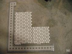 http://www.restorationtile.com/galleries/49/images/060.jpg    Bathroom floor