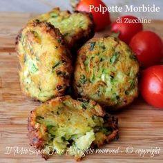Polpette morbide di zucchine fritte o al forno gustose e appetitose, ricetta facile.Croccanti e dorate fuori, morbide all'interno e questo le rende speciali