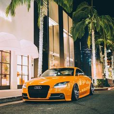 @lawrence_s_liu laid out and lighting up the night with his #eLevel equipped Audi TT S | @boden_autohaus • #AccuAir • #eLevel • #AirSuspension