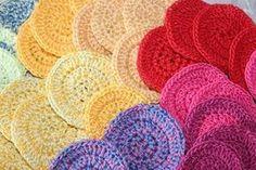 Cotons à démaquiller au crochet Crochet Patron, Diy Crochet, Diy Hacks, Stitch, Blanket, Knitting, Pattern, Handmade, Fibres