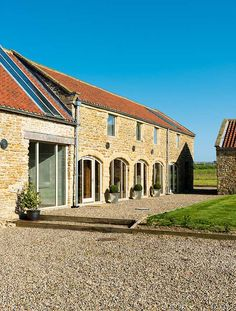 A Converted 300-Year-Old Barn #conversion