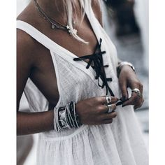 TAHITIAN PEARL MUSLIN DRESS © | BACK IN-STOCK! | Get your hands on one ladies! | Shop the link in our bio #oneteaspoon #summervibes @mikutas