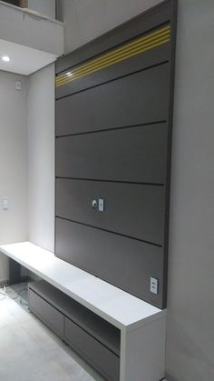 Painel para tv com home  Jundiaí móveis planejados - Cáceres MT Cupboard Design, Wardrobe Design Bedroom, Wall Tv Unit Design, Tv Unit Decor, Tv Cupboard Design, Wall Unit Designs, Wall Unit, Tv Room Design, Modern Bathroom Design