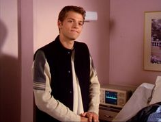 Misha Collins in Charmed Saw this episode the other day and went omg its Castiel! Misha Collins Charmed, Young Misha Collins, Supernatural Jokes, Supernatural Pictures, Supernatural Beings, Bae, Richard Speight, Twist And Shout, Perfect Man