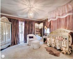 An ideal nursery! Serene elegance with a royal look, what more could a baby girl ask for?