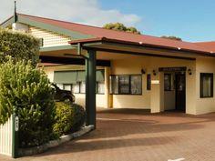 Robe Best Western Melaleuca Hotel and Apartments Australia, Pacific Ocean and Australia Best Western Melaleuca Hotel and Apartments is a popular choice amongst travelers in Robe, whether exploring or just passing through. The hotel offers a wide range of amenities and perks to ensure you have a great time. Service-minded staff will welcome and guide you at the Best Western Melaleuca Hotel and Apartments. Guestrooms are designed to provide an optimal level of comfort with welco...