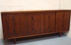 Mediados de siglo diseño mueble nogal con por MyRegenerationShop