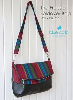 The Freesia Foldover Bag PDF Sewing Pattern by BlueCallaPatternsThe Freesia Foldover bag is quick, stylish sewing project. This is a cross-body…Le sac à replier Freesia patron PDF par BlueCallaPatterns sur Etsy Handbag Patterns, Bag Patterns To Sew, Pdf Sewing Patterns, Diy Bag With Pockets, Sacs Tote Bags, Foldover Bag, Diy Purse, Fabric Bags, Quilted Bag