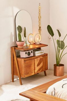 Urban Outfitters Modern Boho Media Stand - Home Design Home Interior, Decor Interior Design, Modern Interior Decorating, Simple Interior, Scandinavian Interior, Retro Home Decor, Diy Home Decor, 70s Decor, Decor Crafts
