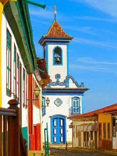 www.trippics.com   Igreja Nossa Senhora do Amparo em Diamantina, Minas Gerais.