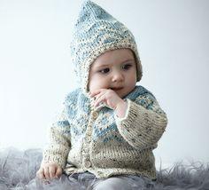 Le petit bonnet douillet par excellence ! Bébé sera ravissant dans son bonnet en Laine PHIL RANDONNEES. Un modèle fille en coloris écru et rose lilas, et un modèle pour les petits garçons en coloris bleu glaçon et écru. Chacun son bonnet !Modèle n°05 du mini-catalogue n°659, layette, automne-hiver 2016/2017