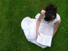 15 Fantastic Christian Living Resources Every Godly Woman Should Know About Christian Women, Christian Living, Harbor Village, Girl Reading Book, Ya Novels, Homeschool Curriculum, Homeschooling, Blood Moon, Wise Women