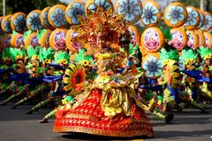 The Sinulog is an annual festival held on the third Sunday of January in Cebu City and Maasin City, Southern Leyte, Philippines The festival commemorates the Bisayan people's pagan origin, and their acceptance of Roman Catholicism. Philippines Tourism, Philippines Culture, Sinulog Festival, Filipino Culture, Filipino Art, Asia, Cebu City, Tropical, Thinking Day