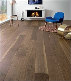 Dark solid oak for a charming decoration. Hardwood Floors, Flooring, Wabi Sabi, Solid Oak, Interior Design, Dark, Bedroom, Inspiration, Home Decor