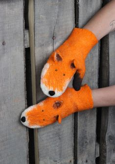 Felt Fox, Wool Felt, All You Need Is, Mitten Gloves, Mittens, Gifts For Girls, Needle Felting, Style Guides, Dinosaur Stuffed Animal