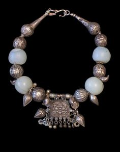 Marion Hamilton - Custom Necklaces • One-of-a-kind Jewelry with Antique & Tribal Beads